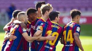 Los jugadores del Barça celebran el gol de Ansu Fati en el Barça-Real Madrid de La Liga 2020/21
