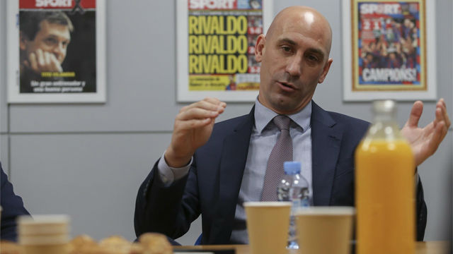 Luis Rubiales se posiciona sobre los pitos a Piqué y Jordi Alba