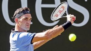 Roger Federer pasa a la final en el torneo de Stuttgart