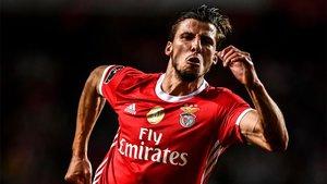Ruben Dias cambia el rojo del Benfica por el blue sky del Manchester City