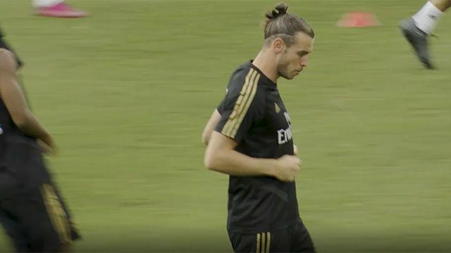 Bale entrenó con normalidad a la espera de solucionar su futuro