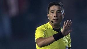 Eduardo Gamboa decidió repetir un lanzamiento en la tanda de penaltis que debía decidir el equipo que ascendía de categoría