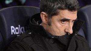 Ernesto Valverde, en el banquillo del Barça - Levante de Copa