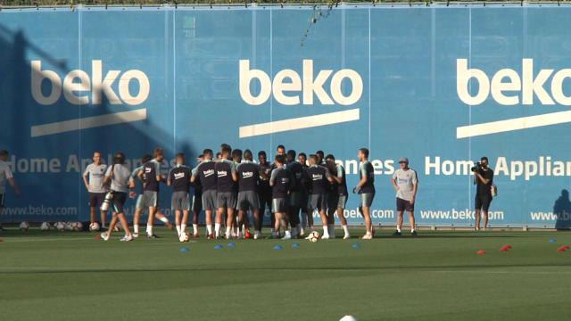 Jordi Alba y Sergi Roberto no se libraron de las collejas en el entrenamiento