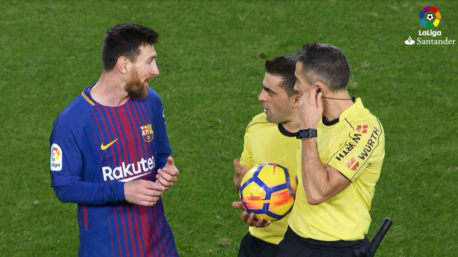 LALIGA | Valencia - FC Barcelona (1-1): Messi reclamó a los árbitros por su gol no concedido