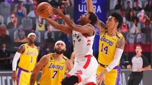Lowry llevó de cabeza la defensa de los Lakers