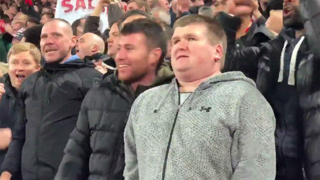 La magia del fútbol: no puede ver pero sintió la emoción del gol que clasificaba al Liverpool