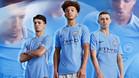 El Manchester City de Guardiola presenta su nueva camiseta