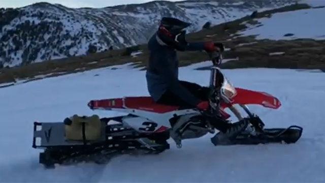 Márquez se divirtió en la nieve sobre ruedas