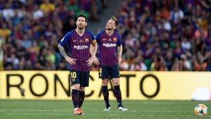 Messi y Rakitic no se creen lo que vieron durante el primer tiempo
