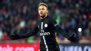 Neymar marcó con el PSG