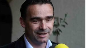 Overmars responde al interés del Barcelona por De Jong
