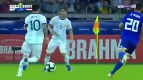 Poesia en movimiento: El espectacular regate con la mirada de Leo Messi ante Paraguay