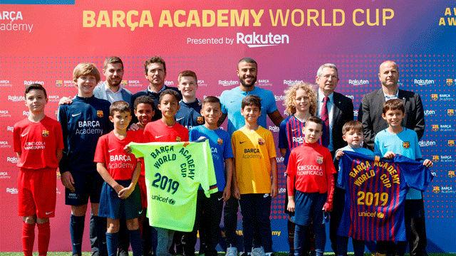 Rafinha presenta el torneo Barça Academy World Cup
