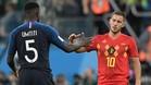 Samuel Umtiti y Eden Hazard podrían compartir vestuario la próxima temporada