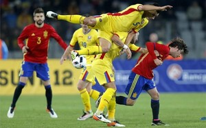 Sergi Roberto y Piqué fueron titulares ante Rumanía