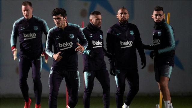 Último entrenamiento del Barça antes de recibir a la Cultural Leonesa