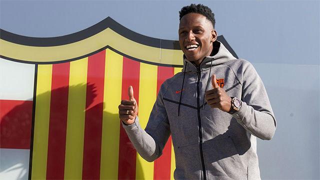 Yerry Mina posó por primera vez como jugador del FC Barcelona