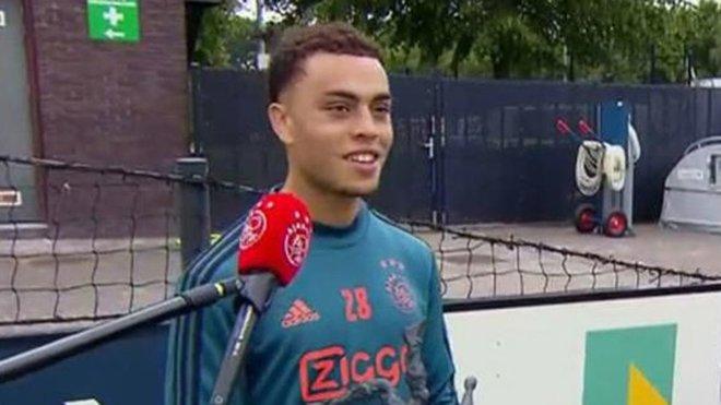 Oferta formal del Barça al Ajax por Dest