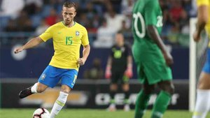 Arthur será titular con Brasil