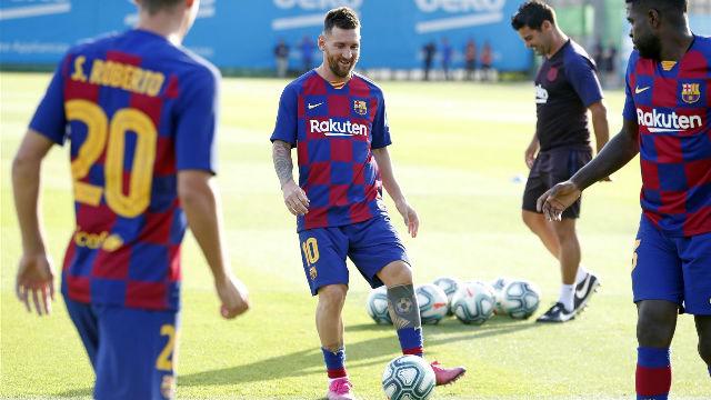 El Barça entrena con Messi