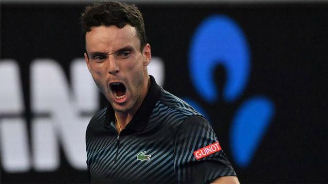 Bautista hace historia metiéndose en cuartos de final del Open de Australia