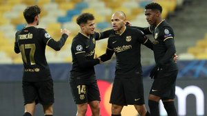 Braithwaite celebra uno de sus goles con sus compañeros