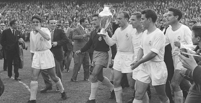 Final Champions Real Madrid - Fiorentina (2-0). 1956 - 1957