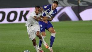 Joselu ha podido adelantar al Alavés ante el Real Madrid