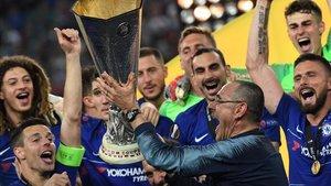 Maurizio Sarri levanta la Europa League en Bakú