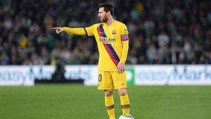 Messi guió al Barça en el Villamarín