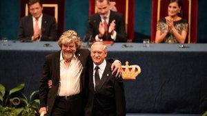 Messner y Wielicki, tras recibir el galardón Princesa de Asturias