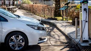 Punto de recarga de coche eléctrico.