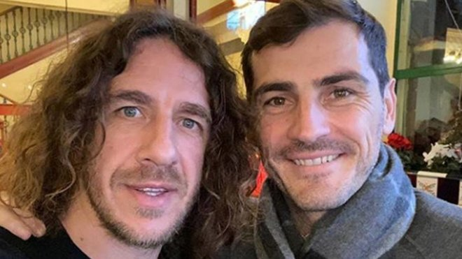 Reencuentro entre Carles Puyol e Iker Casillas