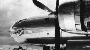 El Enola Gay el avión que lanzó la primera bomba atómica de la Historia