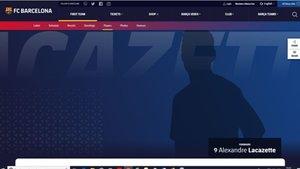 Esta es la ficha de Lacazette que aparece en la web del Barça