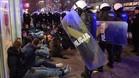 Grupo de hooligans detenidos por la policía