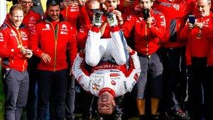 Loeb, en forma, celebra su triunfo en Catalunya