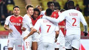 Los jugadores celebrando el gol de Gelson