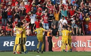 Los jugadores de Osasuna festejan uno de sus goles