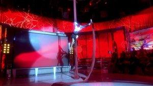 El pequeño detalle visible de Paz Padilla en una de sus acrobacias | Telecinco