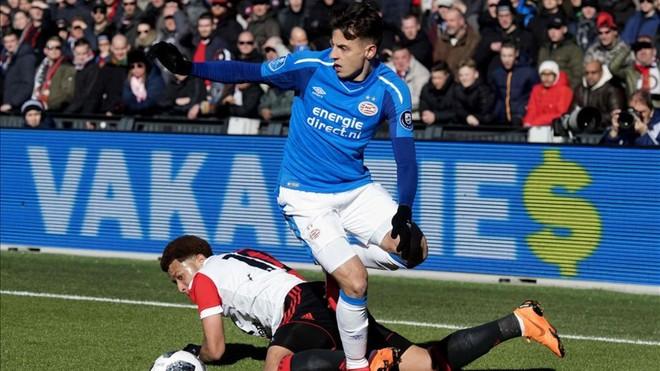 El PSV de Cocu gana al Feyenoord de Van Bronckhorst