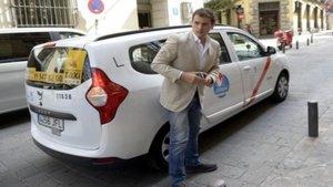 Taxis de Madrid se suman a la huelga e insultan a Albert Rivera
