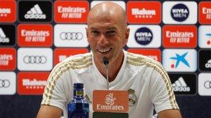 Zinedine Zidane, entrenador del Real Madrid, en rueda de prensa en Valdebebas