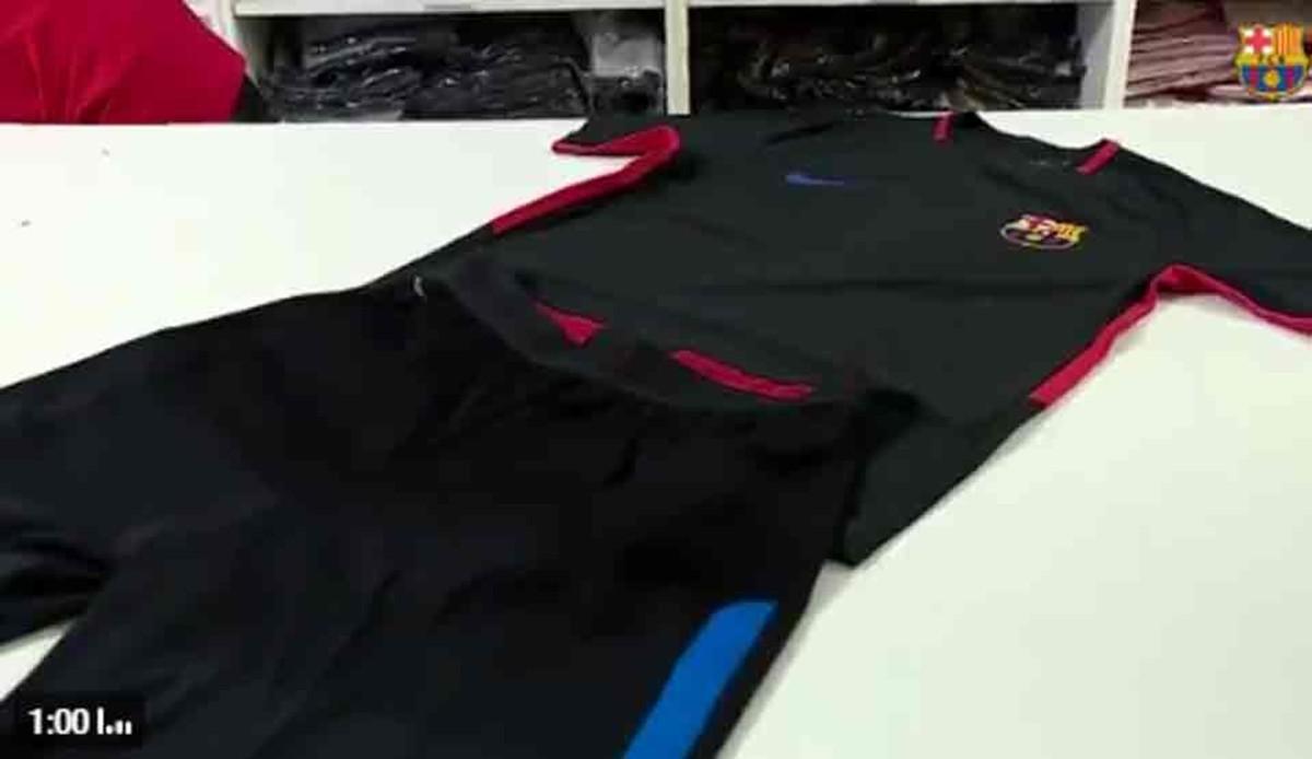 98a682e8aa1ec Vea las nuevas camisetas de entrenamiento del FC Barcelona 2017   2018