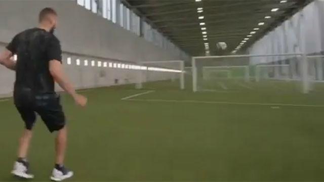 Benzema pone a prueba su puntería en el reto del laguero