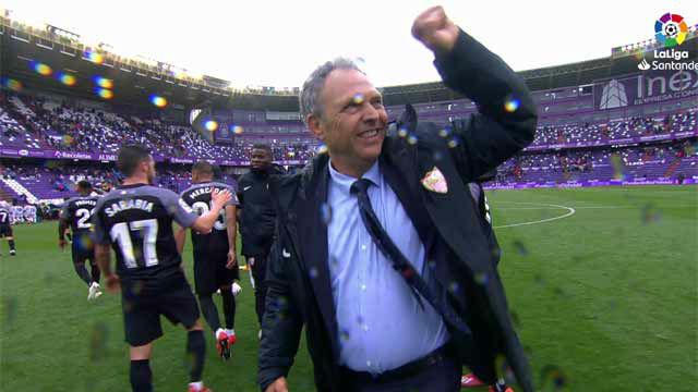 Caparrós celebró con su afición la victoria ante el Valladolid