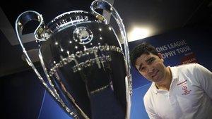 Deco ejerció de embajador del trofeo de la Champions de la mano de Nissan