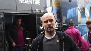 Guardiola, con el lazo amarillo