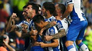 Javi López celebra con rabia el 2-1 ante el Zorya